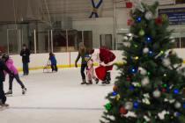 ChristmasinBaddeckSkatewithSantaDNov252016